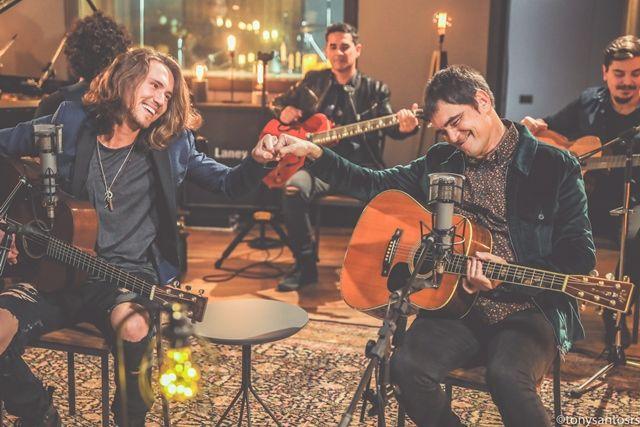 Ouça a ''Música da Semana'' - Vitor Kley & Samuel Rosa - A Tal Canção Pra Lua