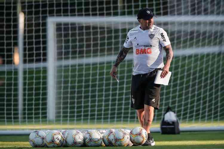 Sem nenhum caso de coronavírus, Atlético-MG voltará aos treinos nesta terça-feira