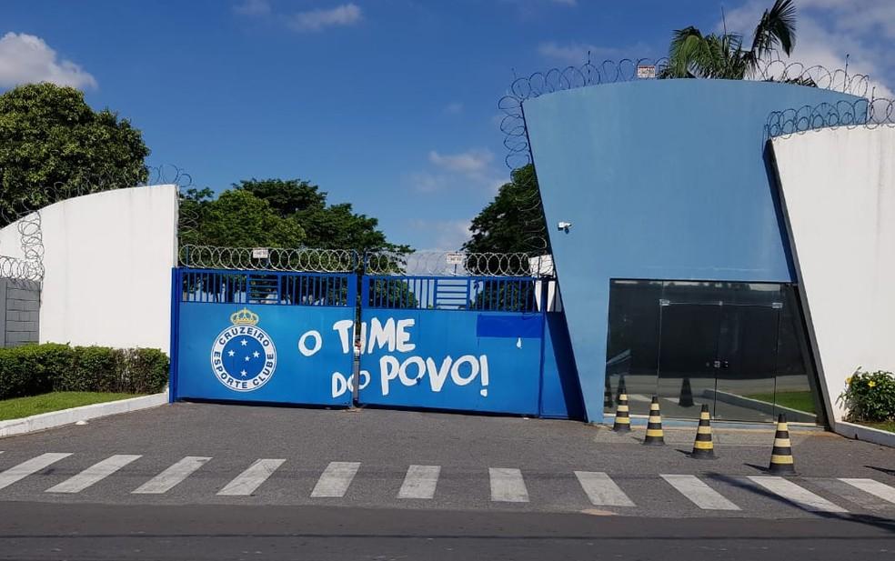 Jogadores do Cruzeiro voltam aos treinos na Toca da Raposa II nesta terça-feira pela manhã
