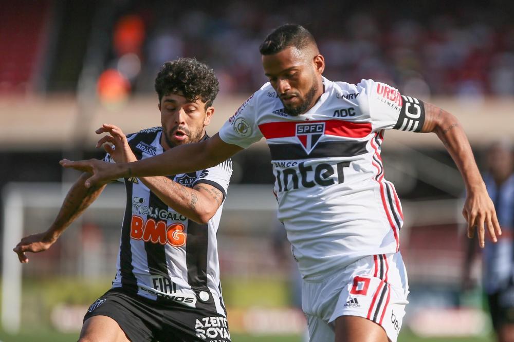 São Paulo vence o Atlético-MG no Morumbi e abre vantagem no G4.